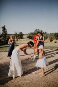 des invités à Toulouse pendant un mariage