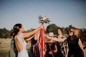 un bouquet de fleurs de mariage