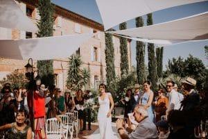 une mariée pendant une cérémonie Laïque à Toulouse